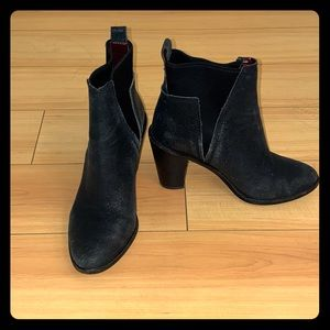 Black High Heeled Boot